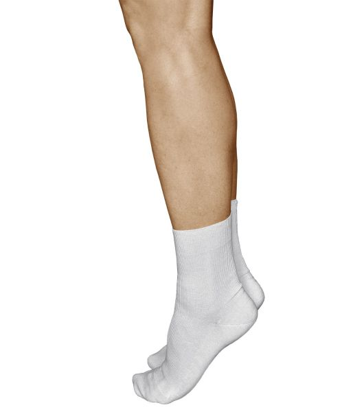 Non-Elastic 98% Cotton Soft White Loose-Top Socks (Women)
